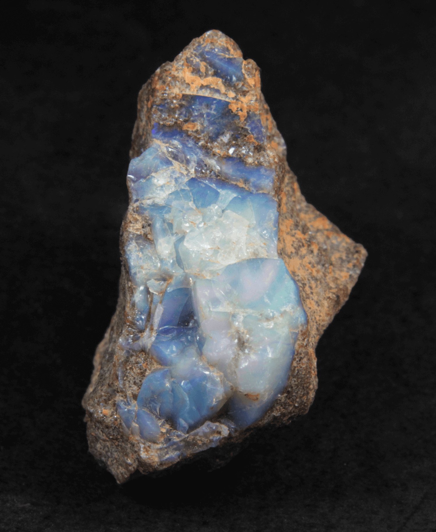 Opala em matriz de Arenito 10